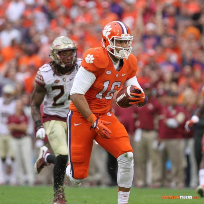 Leggett Named to Mackey Watch List