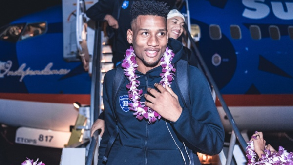 No. 1 Blue Devils Arrive in Maui